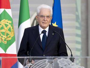Mattarella avverte le Camere (e aiuta SuperMario): troppi commi, il prossimo decreto verrà respinto