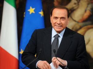 Berlusconi scuote la Ue. Gli altri pensano ai voti e Conte non sa cosa dire