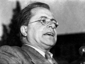 Partito comunista assolto (con voto bulgaro). Stalin e i fatti d'Ungheria contano poco