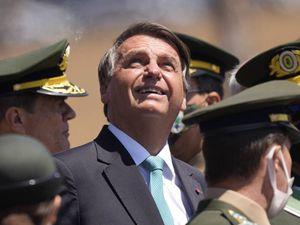 Bolsonaro legge il futuro: