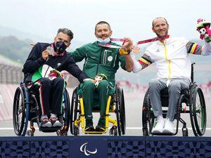 Italia show, già battuto il record di Rio. E il ciclismo vola nel segno di Zanardi