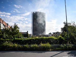 Rogo del grattacielo: i pannelli del palazzo altamente infiammabili