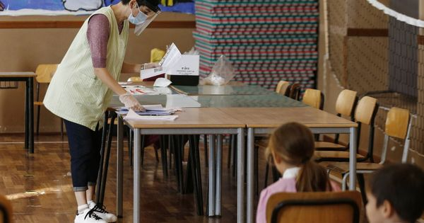 Covid, il ministero della Salute approva i test salivari: ok nelle scuole e sugli anziani