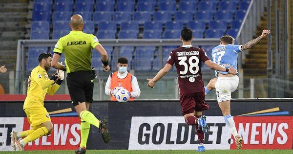 Pali e rigore negati, la Lazio non sfonda il muro del Torino