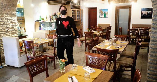 Green pass obbligatorio in ristoranti e bar. Tutte le nuove regole per le regioni in giallo