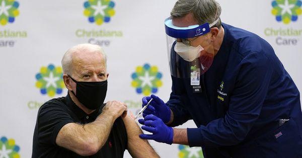 Cento dollari a chi si vaccina, la mossa di Joe Biden contro la variante Delta