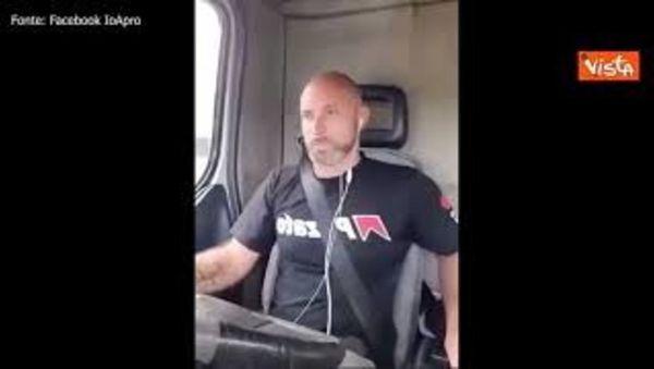 Camionisti contro il green pass: Ci riprenderemo l'Italia