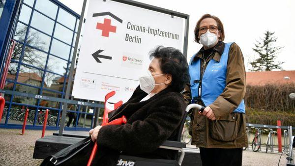 Corona in Berlin: Sänger und Manager im Kampf gegen das Virus