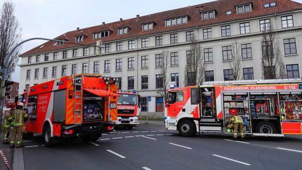 Polizei ermittelt zur Brand- und Todesursache: 62-Jähriger nach Feuer in Oldenburg tot aufgefunden