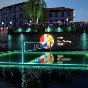 Словения промотира Евро 2019 с волейбол на река