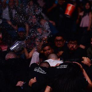 Шокиращ край на дербито Родригес – Стивънс, публиката в Мексико полудя