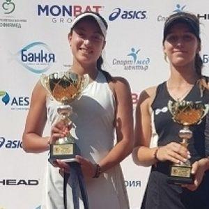 Аршинкова и Топалова стигнаха 1/4-финалите на двойки в Индия
