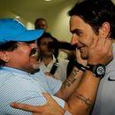 Марадона целуваше снимките на Федерер и почти се разплака, когато го срещна