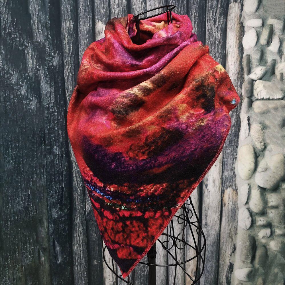 Women's Crimson Vintage Ethnic Flower Scarf