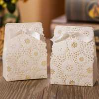 50Pcs Red White Flower Laser Ribbon Hollow Out Paper Candy Boxes Wedding Favors Sweets Bags