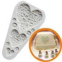 Food Grade Silicone Cake Mold DIY Chocalate Cookies Ice Tray Baking Tool Three Heart Shape