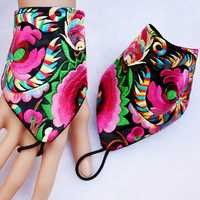 Womens Vintage Ethnic Style Embroidery Flower Triangle Glove