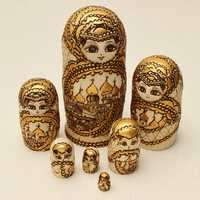 7Pcs Matryoshka Russian Doll Wooden Nesting Toys Engraved Gift Model