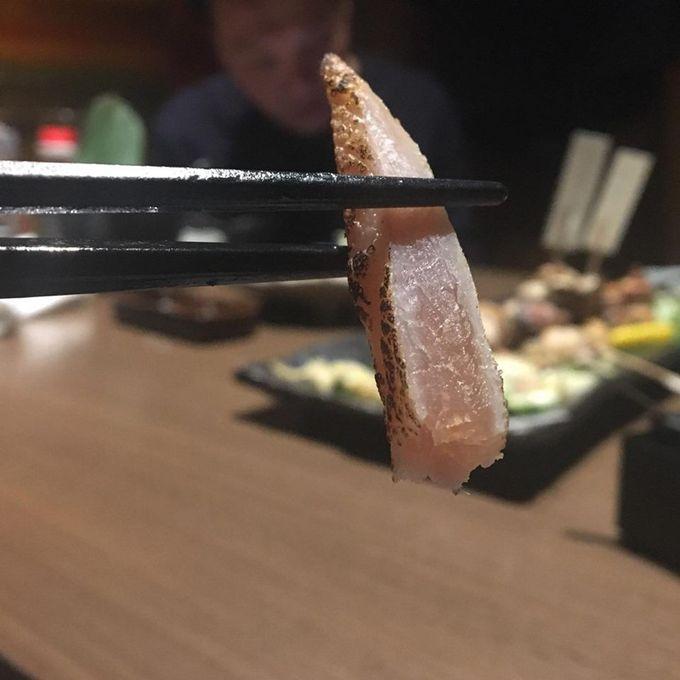 我在大阪吃雞刺身。