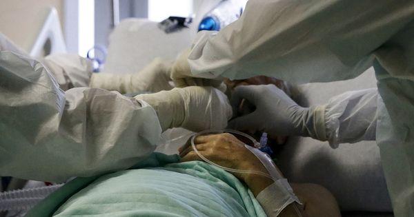 Coronavirus, Paolo Becchi accusa: Quei 22mila morti in meno che nessuno sa spiegare. Carta canta, inquietante mistero italiano