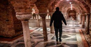 Venezia, la Basilica di San Marco crolla a pezzi ma nessuno fa niente: le immagini che sconvolgono l'Italia