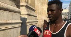 Mamoudou Gassama, l'immigrato clandestino eroe di Francia finito in disgrazia: come l'ha ridotto Macron