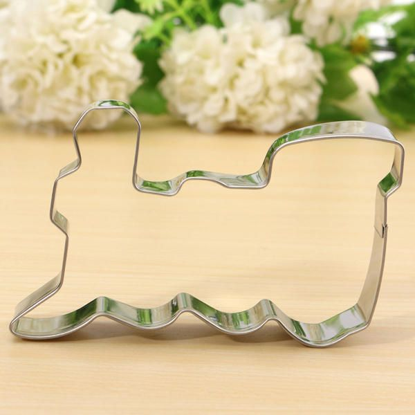 XEL US$2.32 Train Shape Stainless Steel Cookie Cutter Cake Baking Mold
