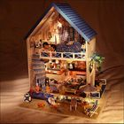 Meilleurs prix Hoomeda DIY Wood Romantic Aegean Sea Dollhouse Miniature With LED Music Furniture Doll House