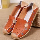 Meilleur prix Women Leisure Shoes Breathable Hollow Out Flats Soft Sole Loafers Flower Printing Loafers