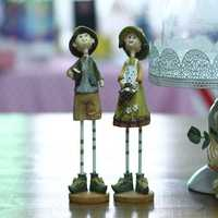 2pcs/set Pastoral Style Couple Ornament Gardener Fairy Miniature Resin Doll Decorative Desk Craft Gifts Home Decorations Car Room Dolls Decor Accessories Furnishing Fashion Couple Gift