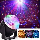 Meilleurs prix 7W RGBYW Voice Activated Remote Control LED Crystal Magic Ball Stage Light for Bar Show AC100-240V