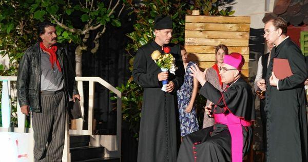 Bischof Wilhelm Krautwaschl gibt Theater-Debüt