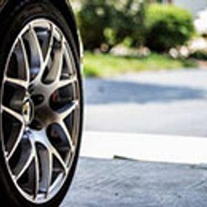 Колку е опасно да се вози со евтини гуми