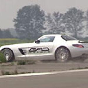 Не знае да го вози најбрзиот Mercedes SLS AMG на светот