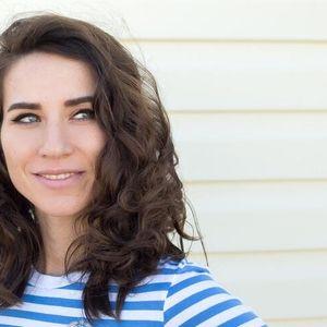 Тази жена решава да не мие косата си в продължение на 7 дни и изглежда страхотно
