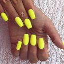 Страхотни жълти маникюри за лятото