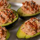 Авокадо с пълнеж от риба тон