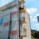 Продолжува санацијата на фасади на зградите во центарот на Кавадарци