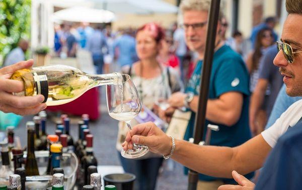 Ardesio DiVino: bere un bicchiere di vino e parlare con chi l'ha prodotto