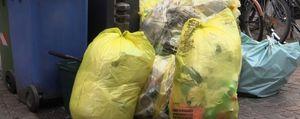 Bergamo, con l'app si impara a conferire i rifiuti. E per la raccolta scattano le multe