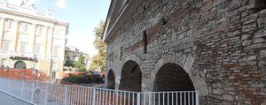 Città Alta, fa discutere la nuova ringhiera di Porta San Giacomo - Foto