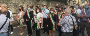 Corteo a San Giovanni Bianco: tra sindaci e cittadini le sanzioni salgono a quota 35