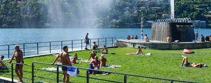 Como: i ragazzi e i bagni nel lago  «Divieti e annegati?  Non ne sappiamo nulla»