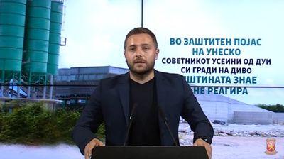 Арсовски: Советник на ДУИ незаконски гради бетонска база во Охрид, општината молчи