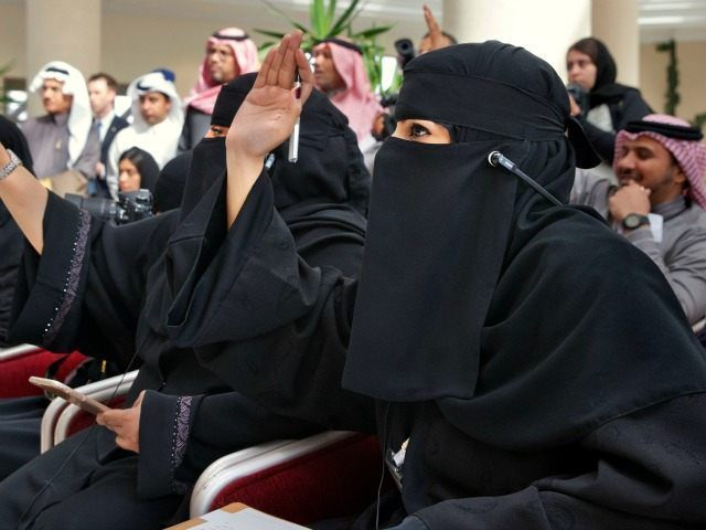 Islamic Groups Push 'World Hijab Day' to Undermine Western Opposition - Breitbart