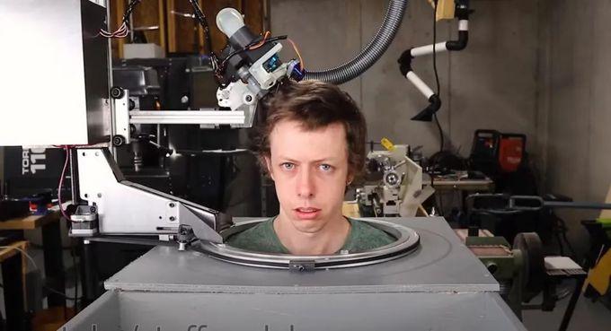 我腦洞大開,讓機器人來給我剪頭髮