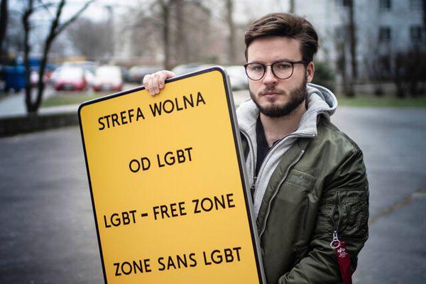 La propaganda del governo polacco a colpi di slogan omofobi