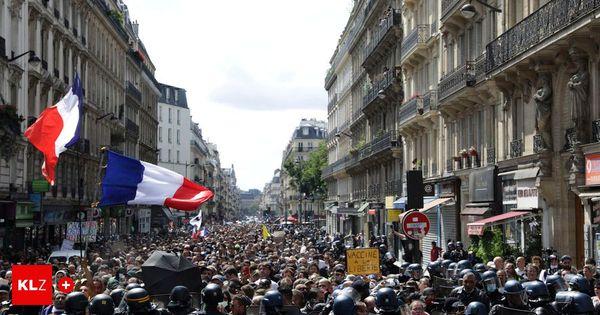 Die Verweigerer : Protest gegen Corona-Regeln: Zu Tausenden in den Straßen von Paris