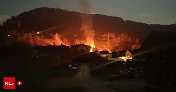 Brand in Pruggern: Stadl voller Brennholz stand in Flammen