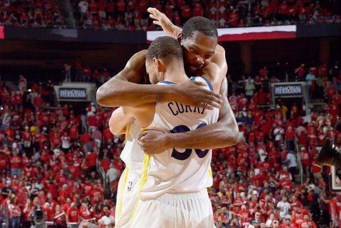 Stephen Curry按原定計劃前往紐約  並親口向Kevin Durant表示支持、尊敬和感謝